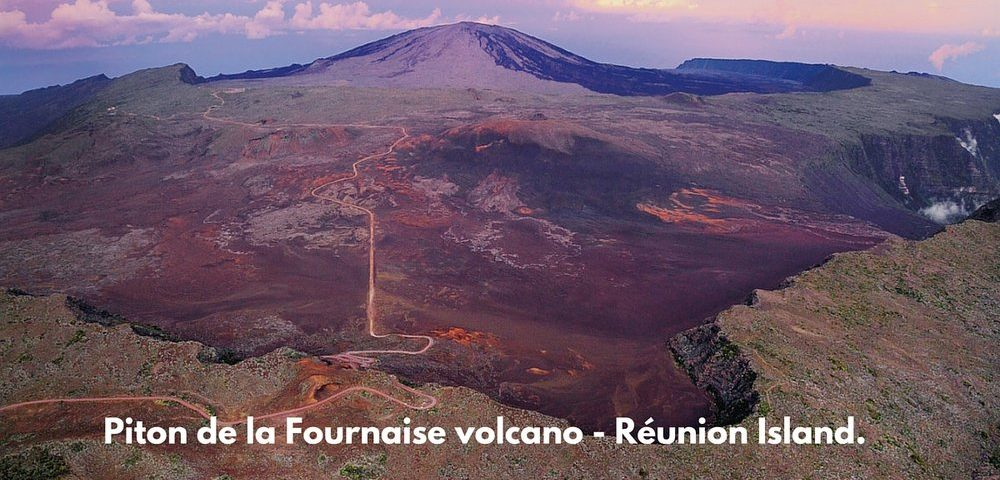 The road to le Volcan.